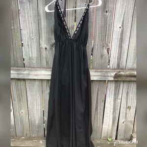Black flowy maxi dress with back out!
